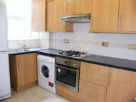 Flat to rent in Lascotts Road Wood Green...