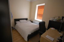 Flat in Lascotts Road Wood Green...