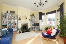 Flat to rent in Duckett Road Manor House...