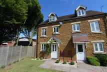 3 bedroom semi detached property to rent in COLLINS DRIVE, Bloxham...