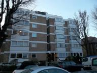 1 bed Flat in Third Avenue, Hove