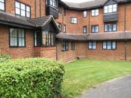 Studio apartment in Beeston Court...