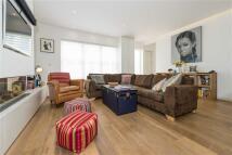 3 bedroom Terraced house in Russell Gardens Mews...