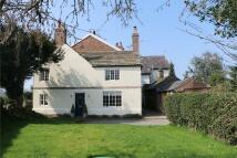 2 bedroom End of Terrace property to rent in Alderley Road, Prestbury...