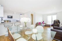 2 bedroom Apartment in Flotilla House, London