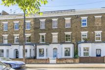 Apartment to rent in Simpson Street, Battersea