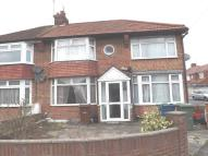 4 bed semi detached house for sale in Oakleigh Avenue