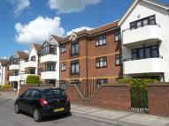 Ground Flat in Eaton Court, Edgware Way...