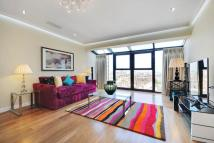 3 bedroom Flat in Point West Cromwell Road