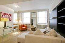 Flat to rent in Chesham Place...