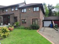 4 bedroom Link Detached House in Worlds End Hill...