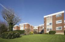 2 bed Flat in Chingford Avenue, London...