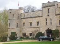 Woodcroft Road Castle to rent