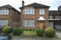 4 bed Link Detached House in Ashcombe Gardens...
