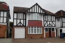 4 bed Detached house in Court Drive, Edgware, HA7