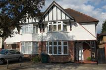 3 bedroom semi detached house to rent in Edgwarebury Gardens...