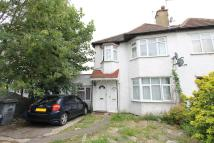 1 bed Flat to rent in Hale Grove Gardens...