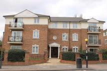 Flat in Hale Lane, Edgware, HA8