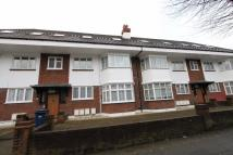 2 bed Ground Flat in Drive Court, The Drive...