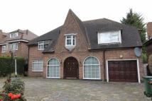 5 bed Detached property to rent in Canons Drive, Edgware...