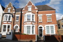 2 bedroom Flat to rent in Romola Road, London, SE24