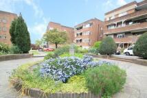3 bedroom Flat for sale in Dorchester Court...