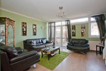 3 bed End of Terrace property in Delawyk Crescent, London...
