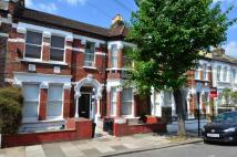 Ground Flat to rent in Devereux Road, London...