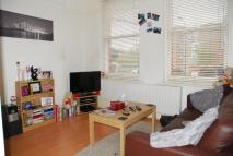 Flat to rent in Manor Park Parade...