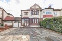 4 bedroom End of Terrace house in Overton Drive, Wanstead