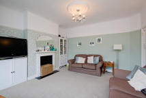 4 bed Terraced home to rent in Overton Drive, Wanstead