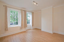 1 bed Ground Flat for sale in Reydon Hall, Wanstead