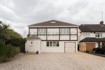 5 bedroom Detached property to rent in Meadow Walk...