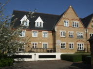 Apartment to rent in Anglian Close, Watford...