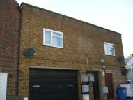Flat to rent in St. Albans Road, Watford...
