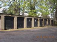Ellwood Gardens Garage to rent