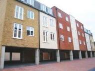 2 bedroom Flat to rent in Martony Court,    ...