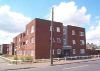 Flat to rent in Tacon Road, Felixstowe...