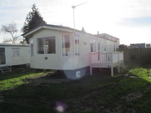 3 Bedroom Mobile Home To Rent In Walton Avenue Felixstowe