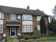 Flat to rent in Maidenhall Approach...
