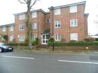 1 bedroom Ground Flat in Stanley Road, Enfield...