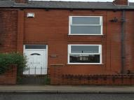 Terraced house to rent in Walthew Lane ...