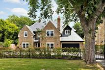 6 bed Detached property for sale in Wentworth Estate