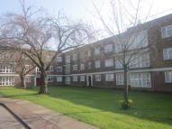 2 bedroom Flat in Longbridge Road, Barking...
