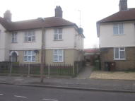 Maisonette in Lambourne Road, Barking...