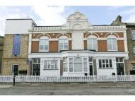 3 bedroom Flat in Trundleys Road, London...