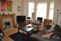 Flat to rent in Kennerley Rd, Daventry...
