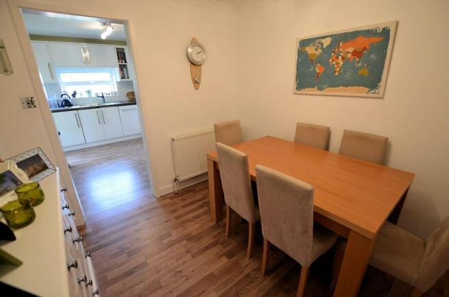 Dining room main.jpg