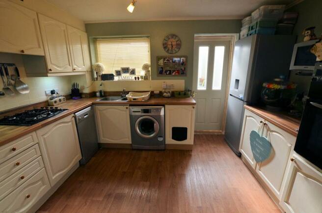 Denby Way Kitchen .jpg
