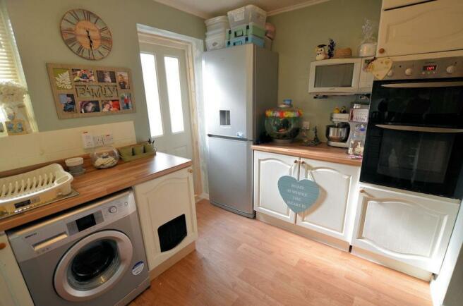 Denby Way Kitchen 2.jpg